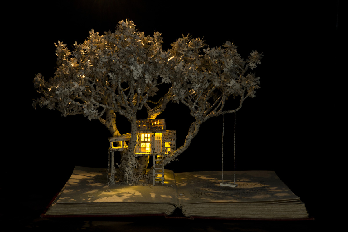 2015-The-House-in-the-Oak-Tree